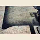 Schatten des Wartehäuschens