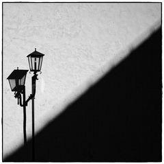 Schatten mit Laterne