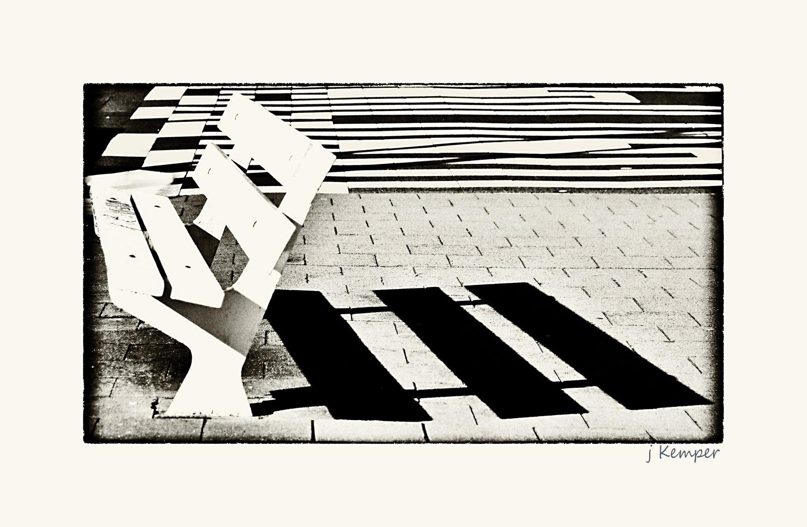 - Schatten-Wurf -