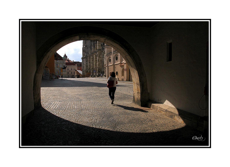 ......schattenfrau in regensburg......