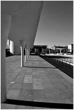 Schattenspiel im Bauhausstil