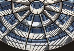 Schattenspiel in der Pinakothek der Moderne München