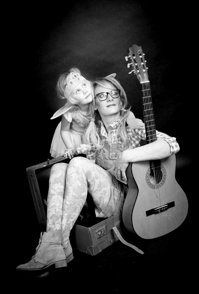 Schau mal Mami :) Foto & Bild | liebe, musik, gitarre