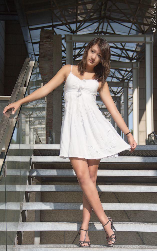 Schau mal, was ich für ein schönes Kleid an habe :)