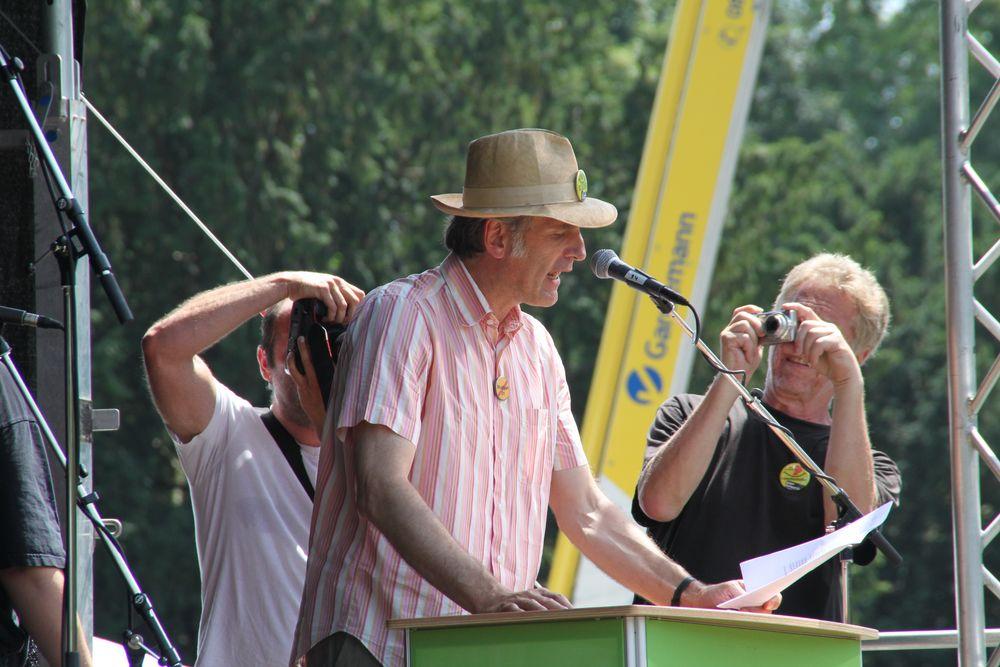 Schauspieler Walter Sittler zettelt für 28.7 einen SCHWABEN -STREICH an - K21 Plus 2 FOTOS