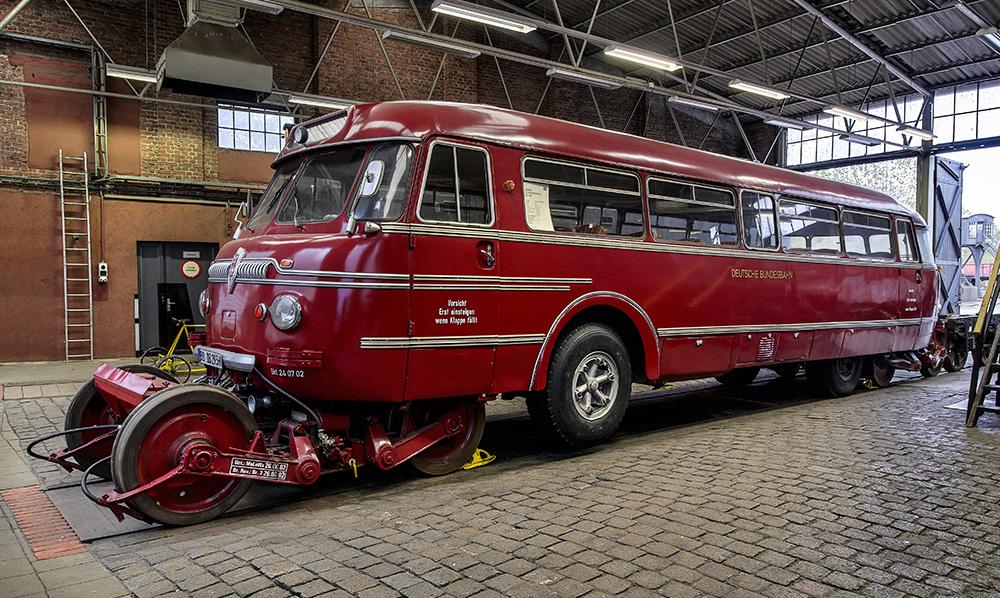 Schienen-Straßen-Omnibus