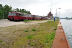 Schienenbus im Hafen Saerbeck