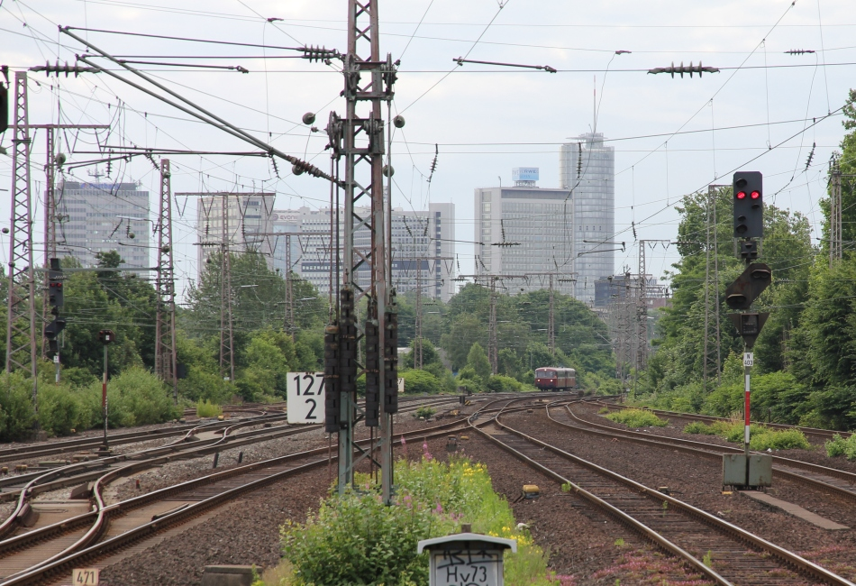 Schienenbus im Ruhrgebiet
