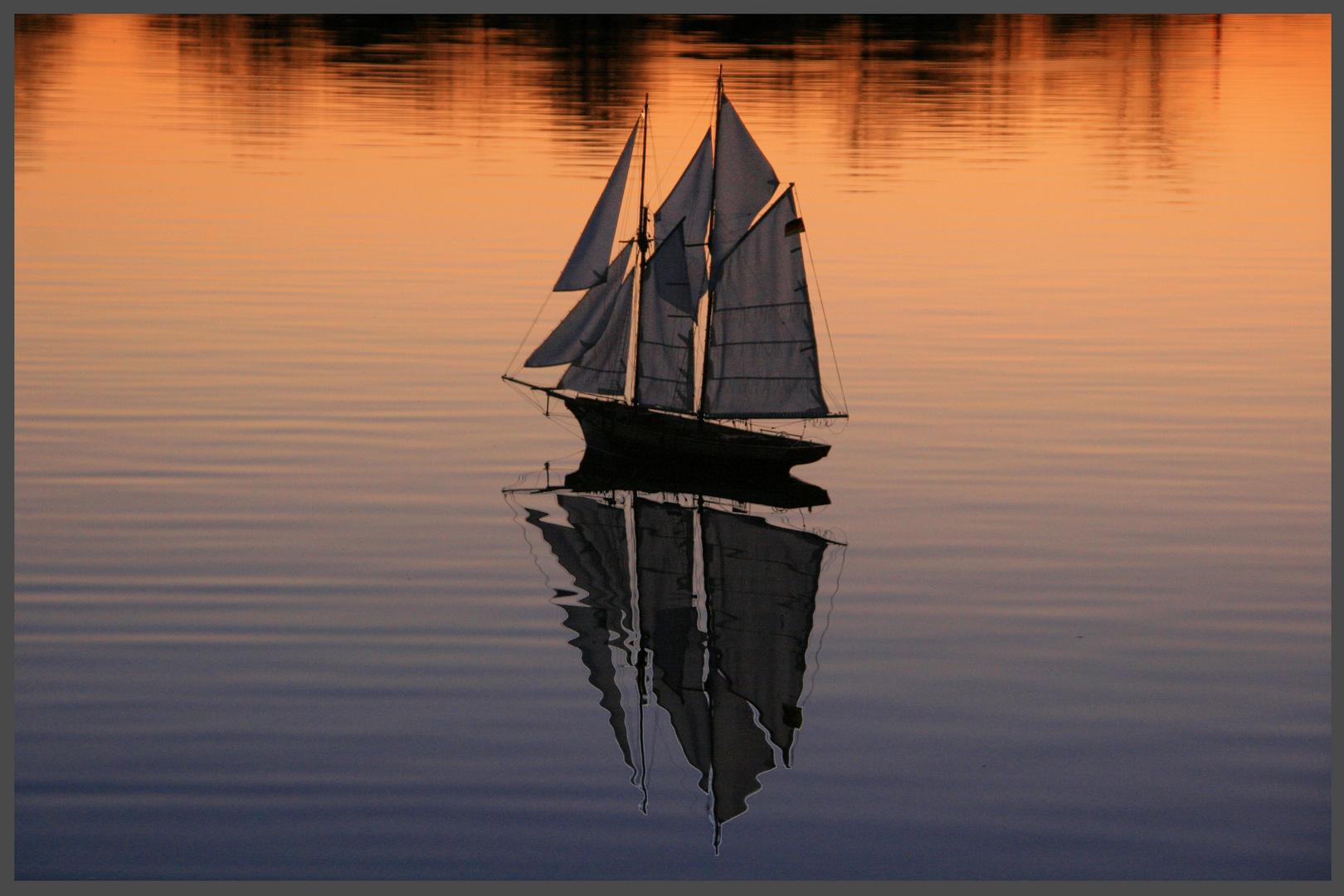 Schiff in der Abendröte
