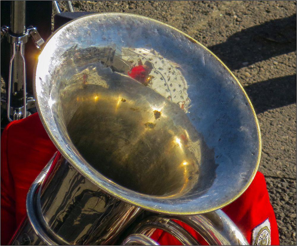Schiff in der Tuba