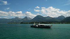 Schiff Kaiser Franz Josef mit Berge