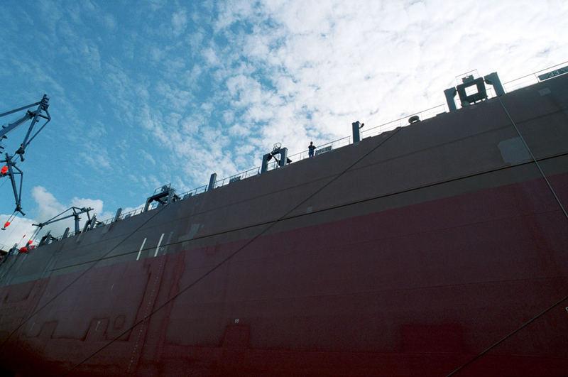 Schiff kurz vor Inswasserschmeissung