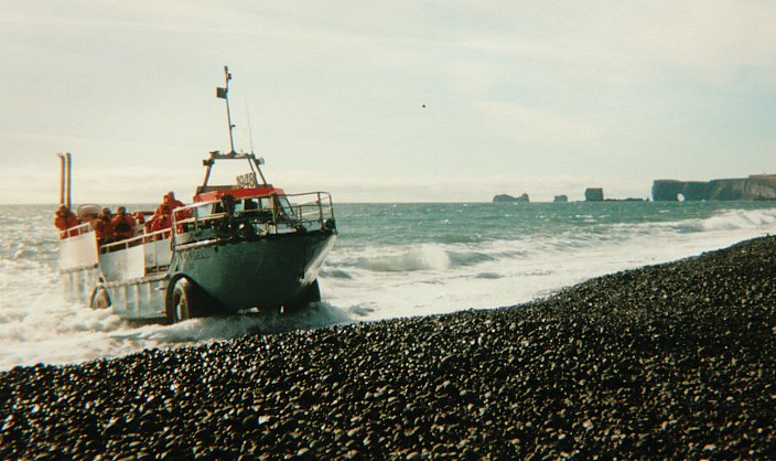Schiffahrt bei Kap Dyrholaey