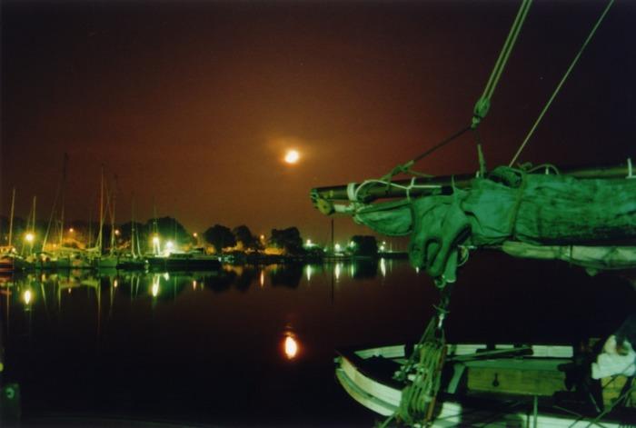 Schiffahrt zum Mond...