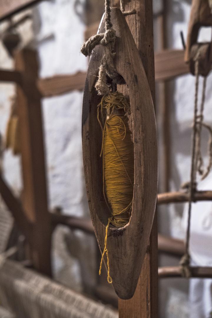 """Schiffchen eines Webstuhls in der """"Casa Grotta"""" in Matera"""