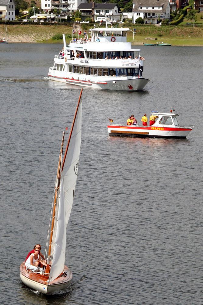 Schiffe auf dem Rur See