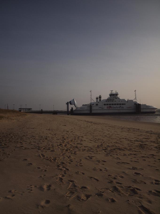 Schiffe. .und Meer. ..
