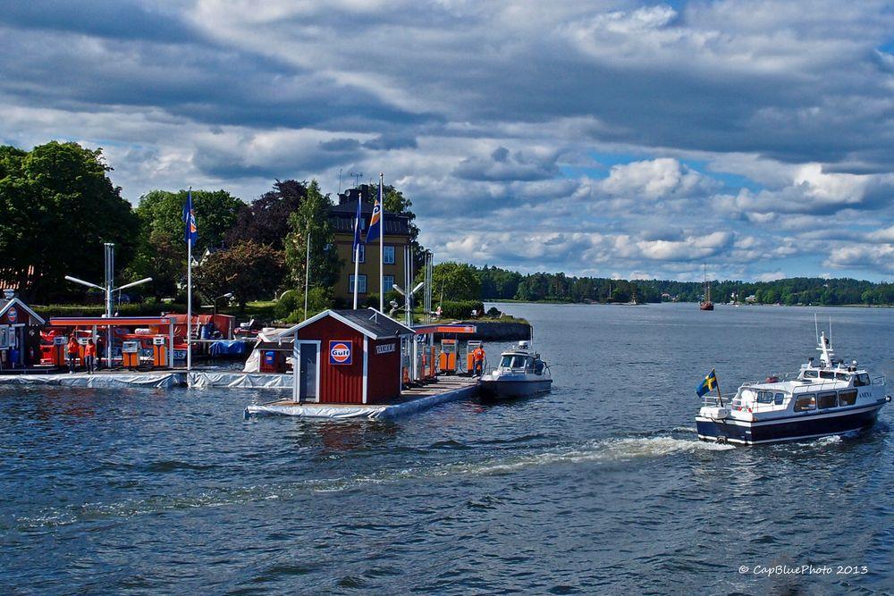 Schiffstankstelle bei Vaxholm
