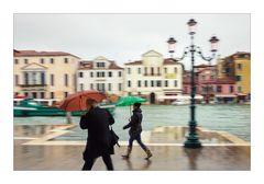 ° Schirm auf und durch ..°