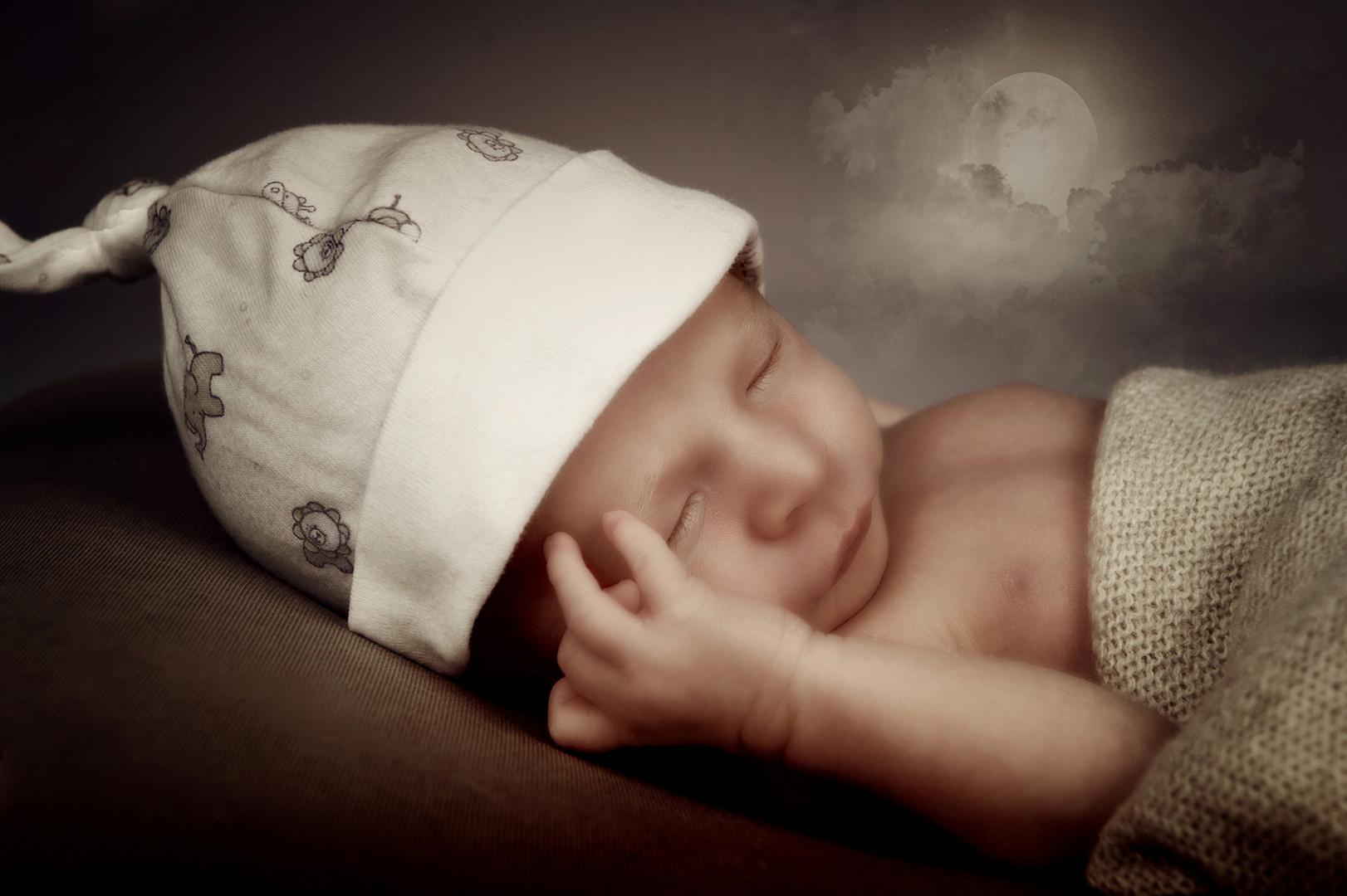....schlaf Kindlein schlaf.....