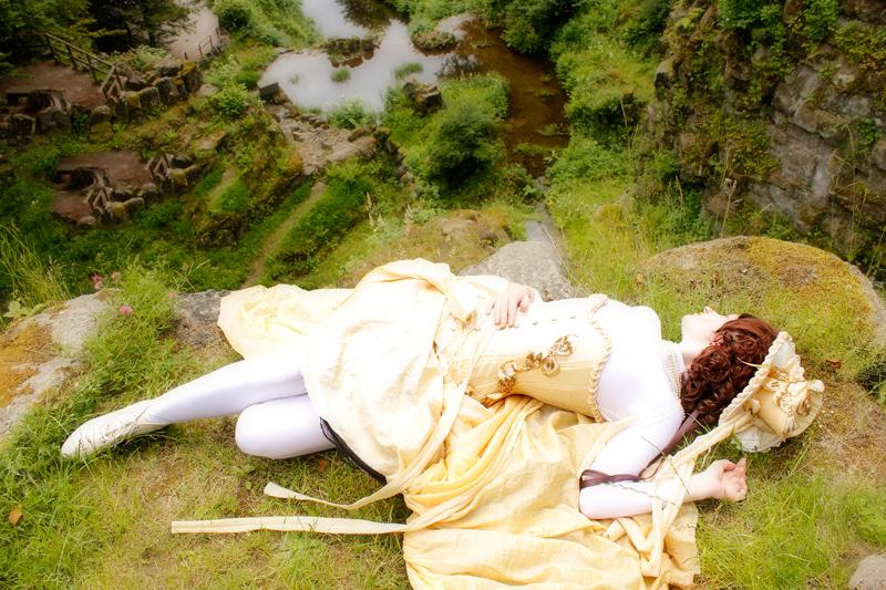 Schlafende Dame