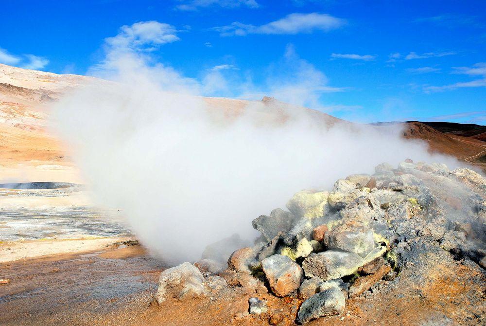 Schlammpfuhlen und Schwefelfelder auf Island 2
