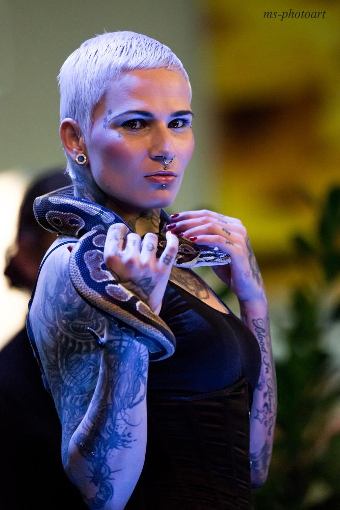 Schlangenlady 2