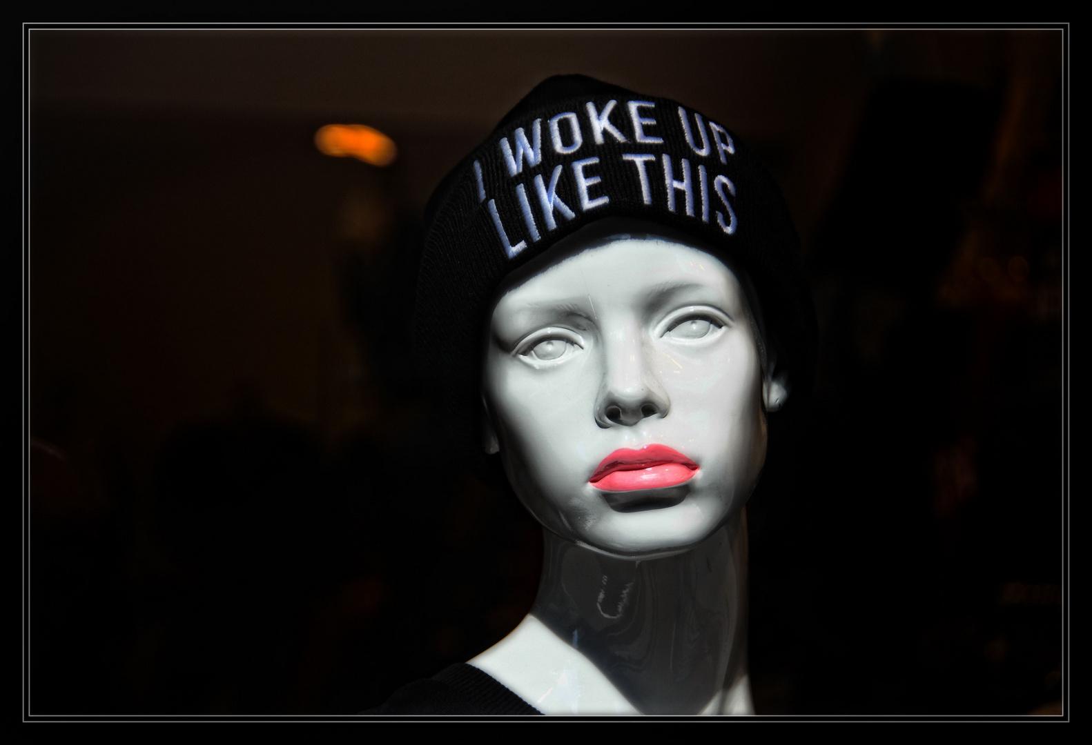 Schlecht Geschlafen Foto Bild Stillleben Schaufensterpuppen