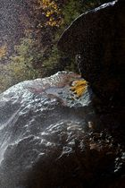 Schleierwasserfälle im Herbst