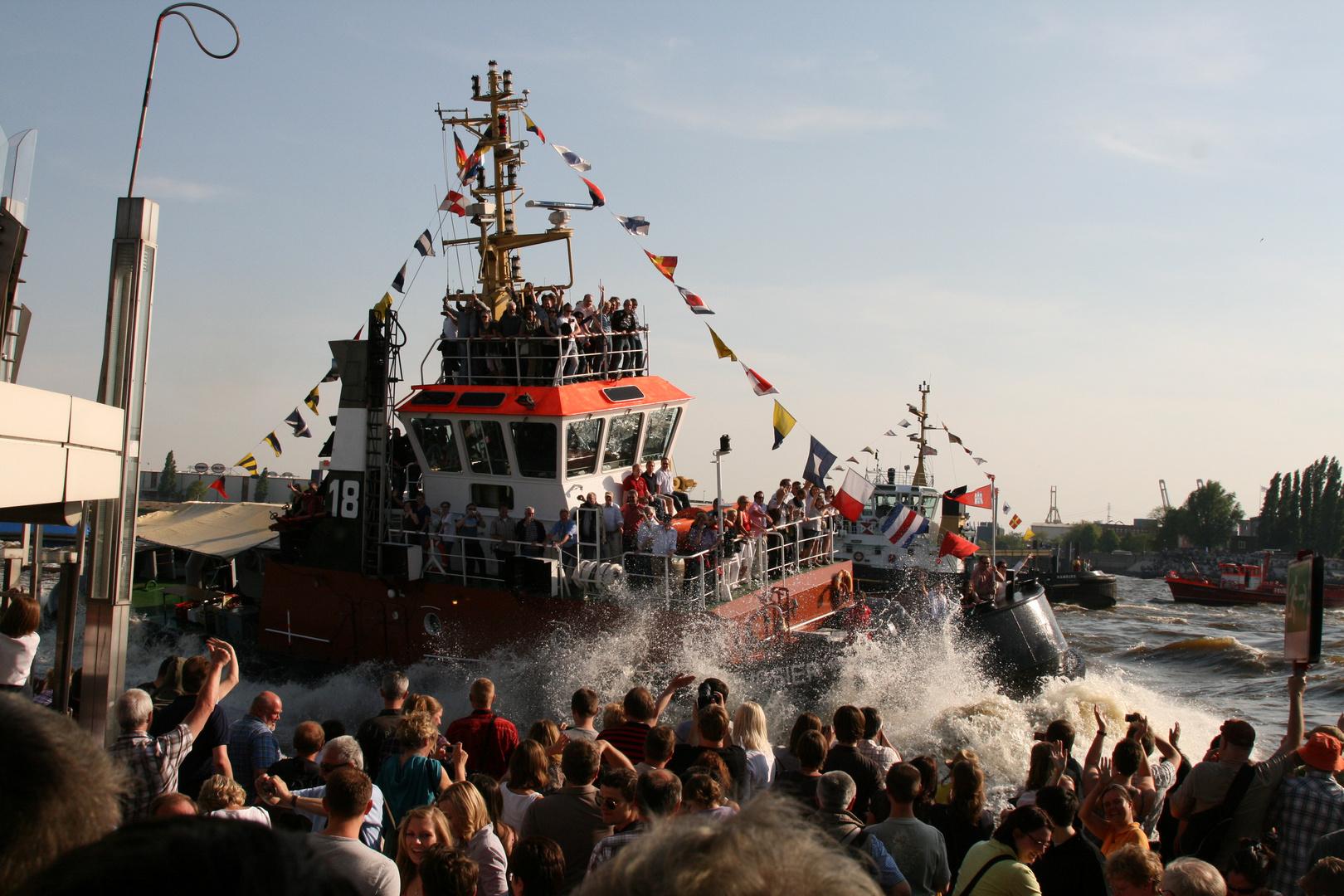 Schlepperballett Hafengeburtstag 2011
