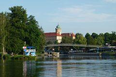 Schleuse und Schloss Podebrady