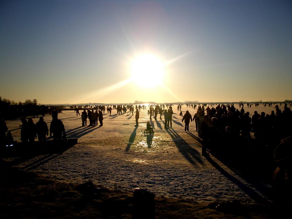 Schlittschuh laufen am Großen Meer