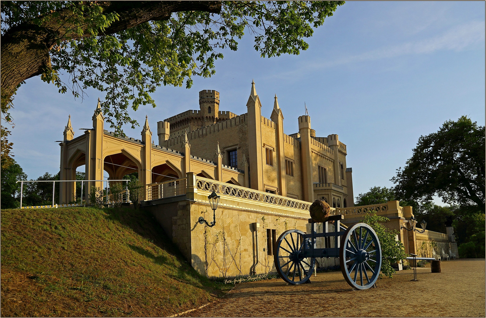 * Schloss Babelsberg *