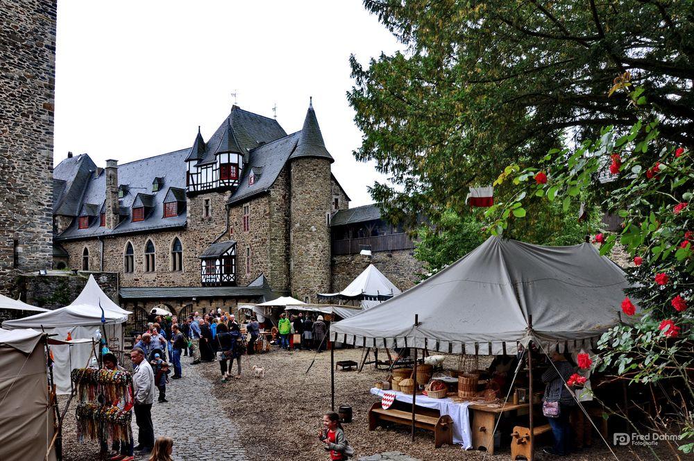 Schloss Burg, Mittelaltermarkt XI