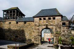 Schloss Burg - Tor zum Schlossinnenhof