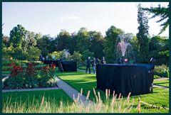 Schloss Dyck- Parkleuchten - Park mit Springbrunnen