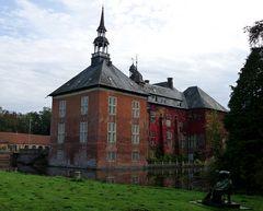 Schloss Gödens vom Park aus