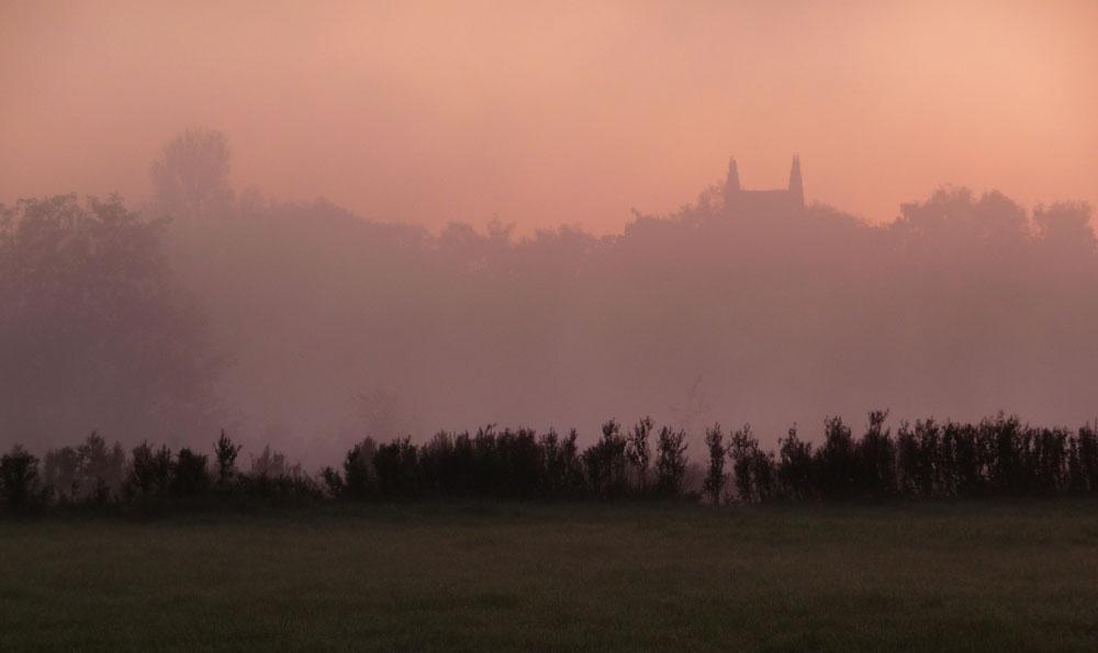 Schloss Heesen im Morgenlicht