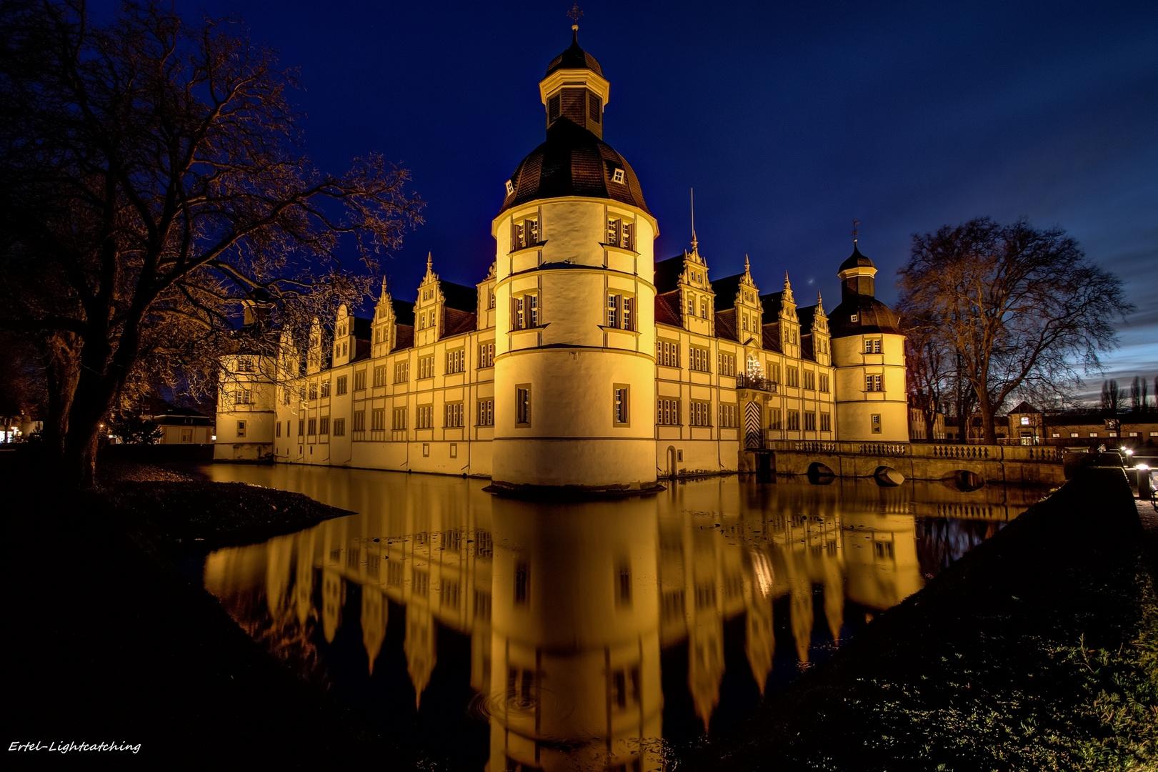 Schloß in Paderborn-Neuhaus am Abend