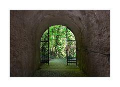 < ...Schloss Landsberg... >