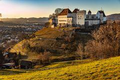 ... Schloss Lenzburg ...