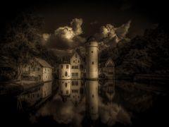 ~ Schloss Mespelbrunn ~