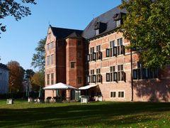 Schloss mit Restaurantgarten