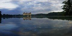 Schloss Moritzburg im Morgendämmerlicht