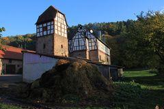 Schloss Nauses und der Misthaufen