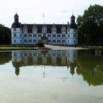 Schloss Neuhaus bei Paderborn  zum Spiegeltag...
