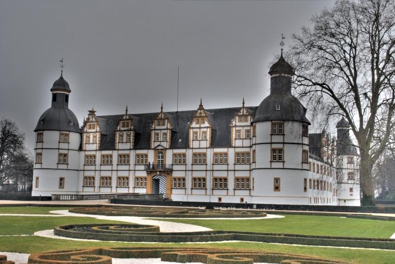 Schloss Neuhaus HDR Experiment