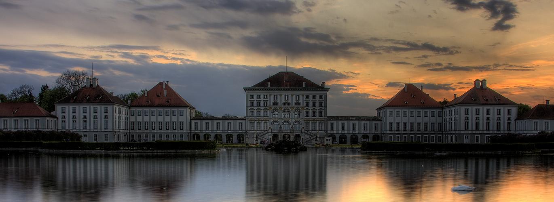 Schloß Nymphenburg im Sonnenuntergang