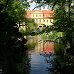 Schloss Rammenau gespiegelt