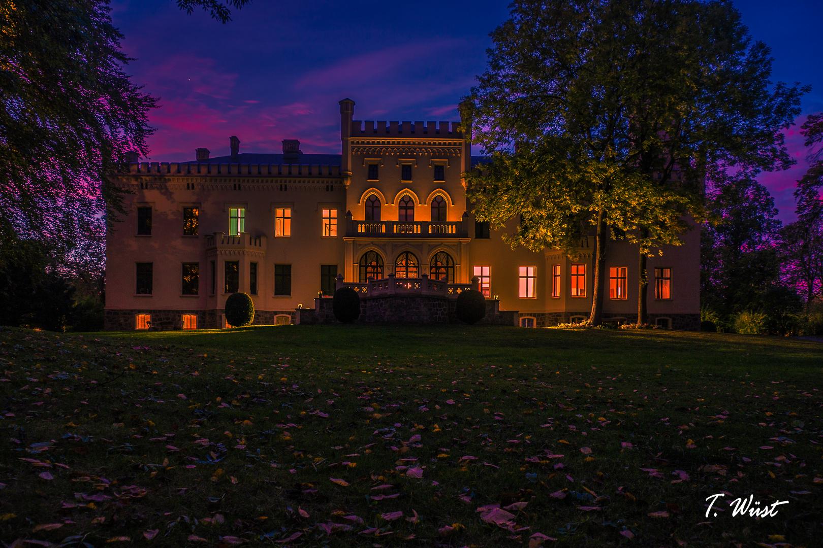 Schloss Reichenow bei Nacht